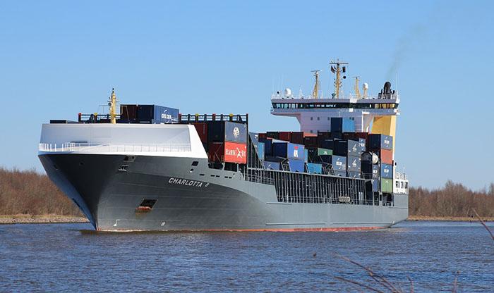 貿易で使われる貨物船