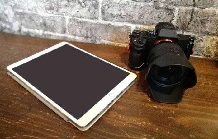 タブレットとカメラ