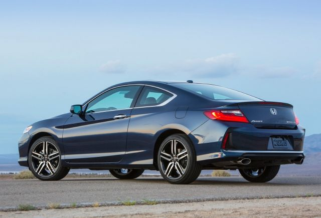 2019 Honda Accord Coupe rear