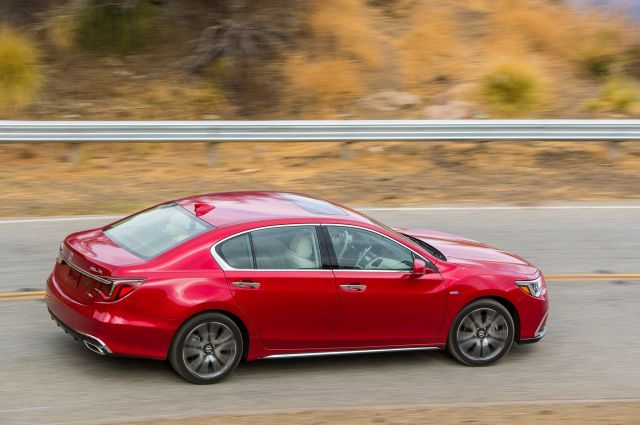 2020 Acura RLX side