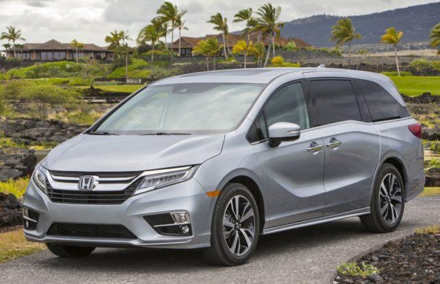2020 Honda Odyssey Hybrid front