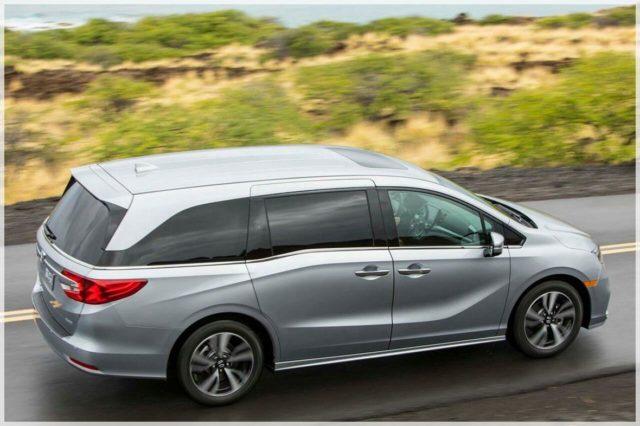 2020 Honda Odyssey Hybrid side