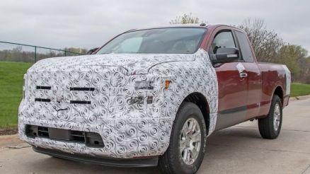 2020 Nissan Titan XD front