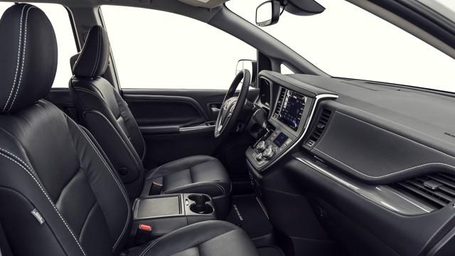 2020 Toyota Sienna Limited Premium interior
