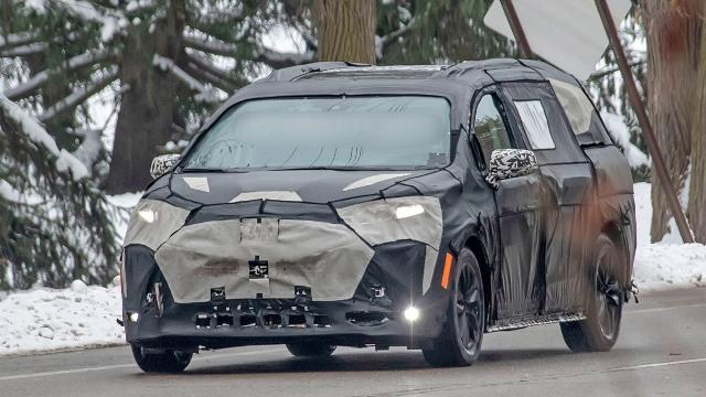 2021 Toyota Sienna spy photos