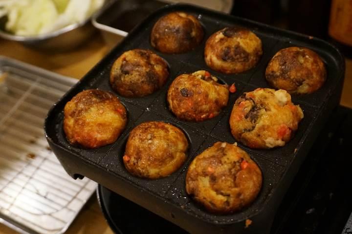 Kushikatsu 串カツ Deep-Fried Foodon a Skewer たこ焼き