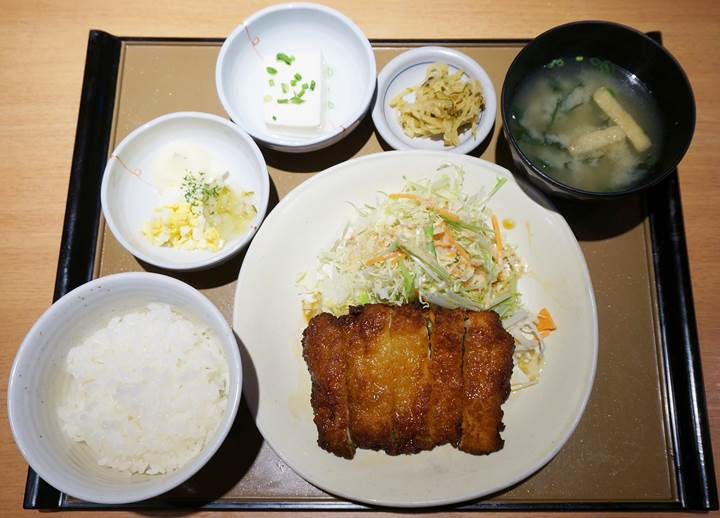 やよい軒 JAPANESE TEISHOKU RESTAURANT YAYOI チキン南蛮定食 Fried Chicken with Tartar Sauce Teishoku