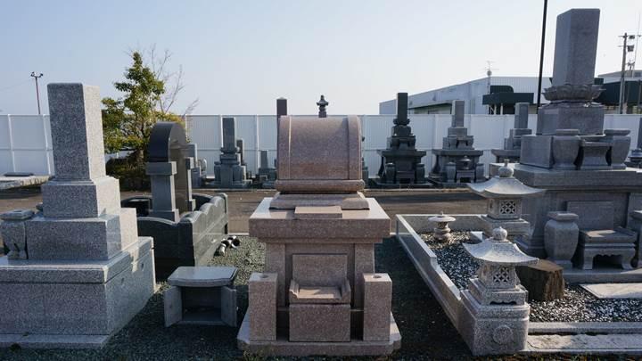 Japanese gravestones 墓石