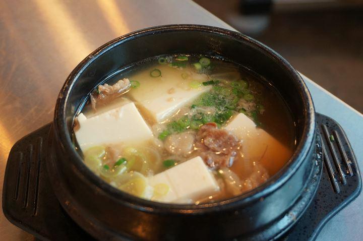 Stewed Beef Tendon and Tofu 牛すじ豆腐 - Otonba (Higashi Ueno Branch) おとんば 東上野店