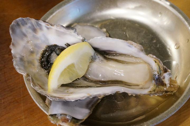 Oyster Izakaya Restaurant TOBIUME かき小屋 飛梅 神田西口店 生牡蠣