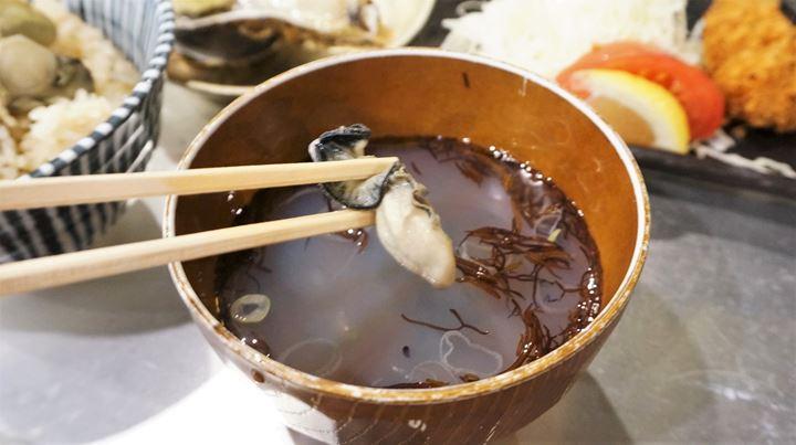 Oyster Izakaya Restaurant TOBIUME かき小屋 飛梅 神田西口店 かき汁