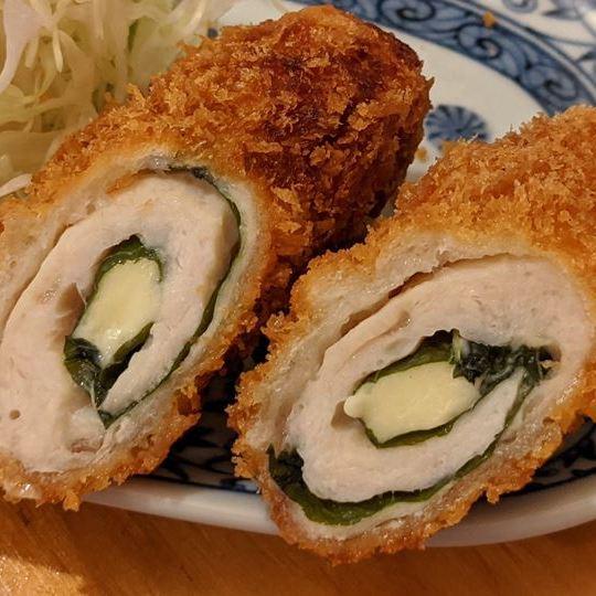 Deep Fried Chicken Thigh with Cheese 鶏ささみチーズフライ - Standing Bar KAMIYA 立ち呑み かみや