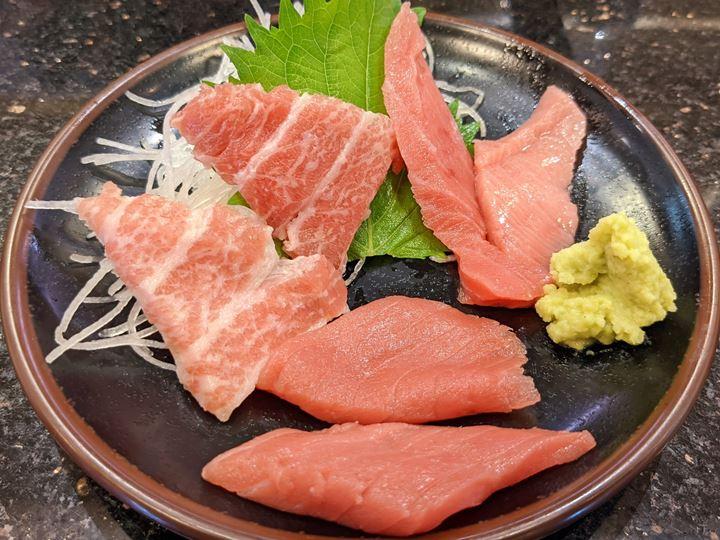3 Kinds of Tuna まぐろ3種刺身盛り - Sushi CHOUSHIMARU すし 銚子丸 - 回転寿司 鮨