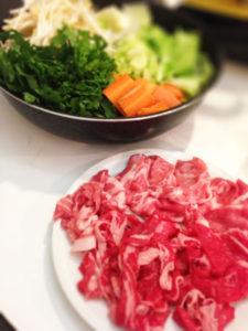 すきやき肉と野菜