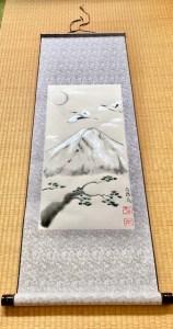 掛け軸 日本画 水墨画 銀の富士山と鶴と松
