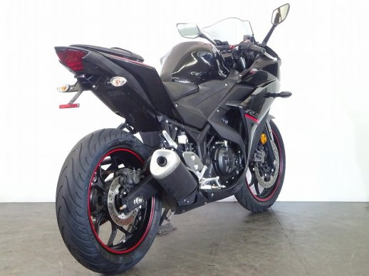 Yamaha-YZF-R3-2018-786022395-rear