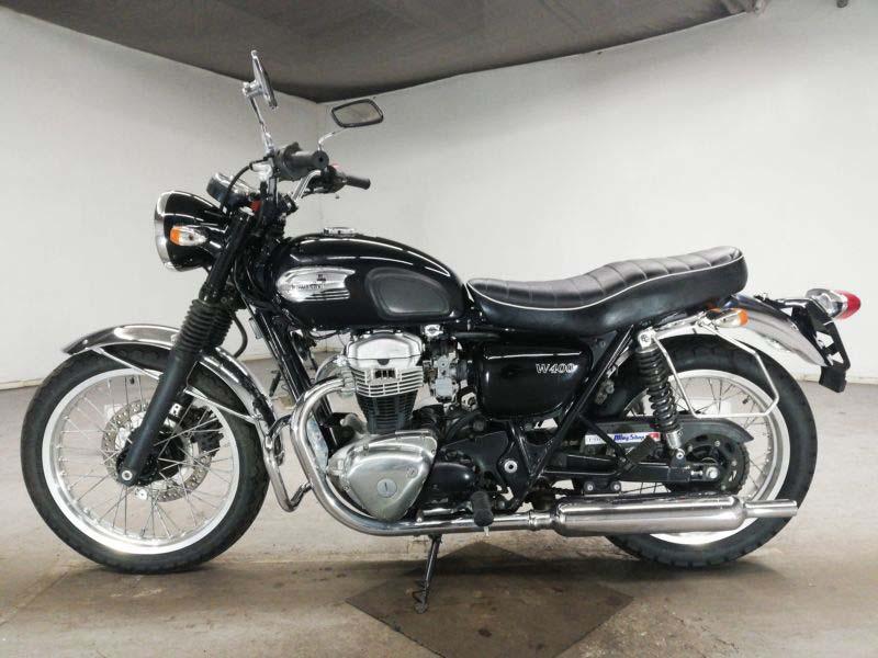 kawasaki-bike-w400-black-70312365422-2