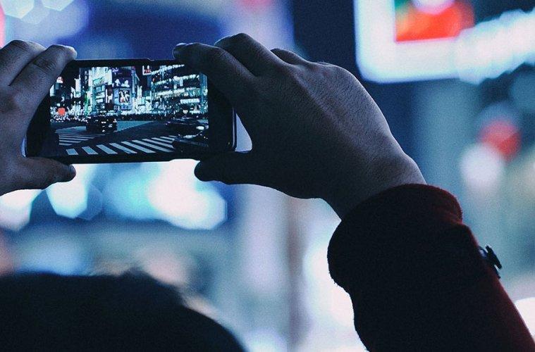 Shooting Shibuya Crossing with an iPhone