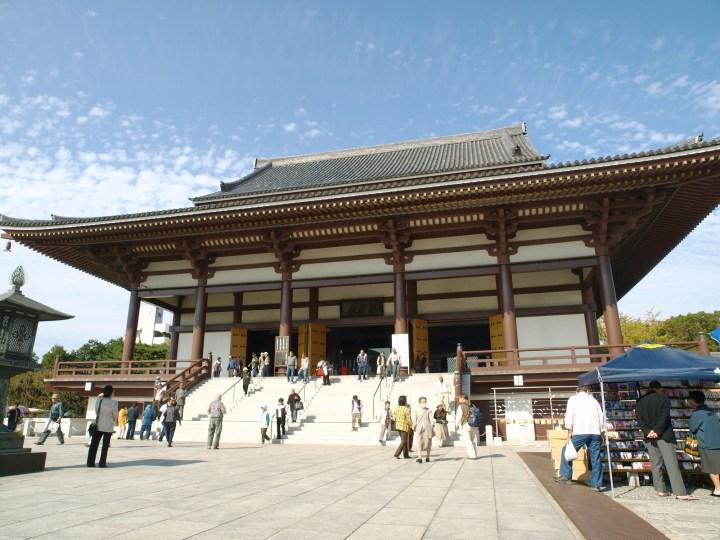 Main prayer hall of Nishi-Arai Daishi