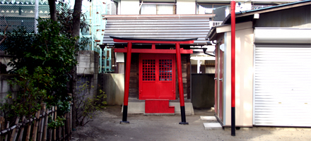 O-hayashi Inari Shrine in Sendagi is one of the legacies of the old forest.