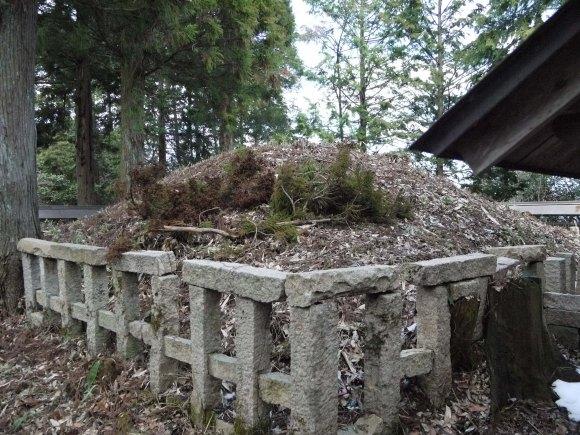 Izanami's grave in Shimane