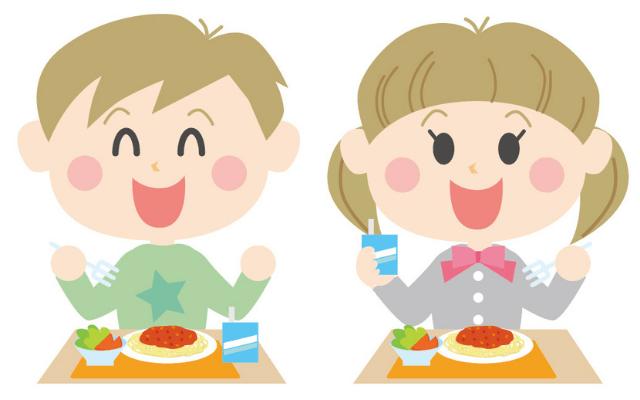 スパゲティを食べる子供
