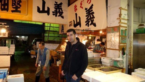 En el mercado de Tsukiji (Tokio, Japón) en otoño de 2010