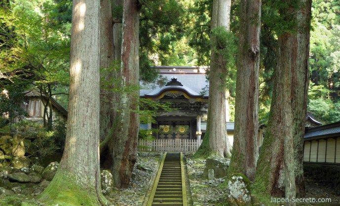 Eihei-ji, un templo secreto del budismo zen oculto cerca de Kanazawa (Japón)