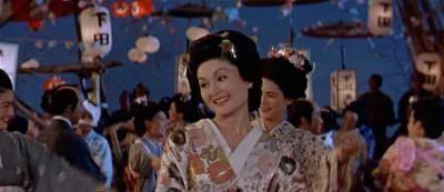 "La bella Okichi bailando bonodori en ""El Bárbaro y la Geisha"" (""The Barbarian and the Geisha"", 1958)"
