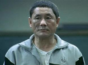 "Takeshi Kitano en ""Battle Royale"" (バトル・ロワイアル, 2000)"