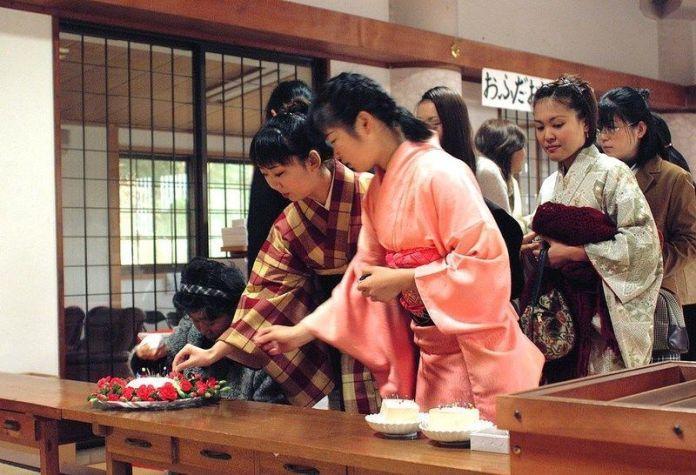 Hari Kuyo o Funeral de las Agujas (región de Kanto)