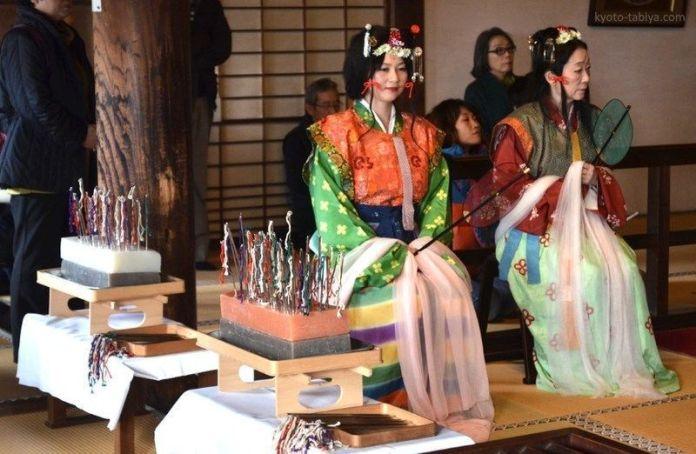 Festivales de Japón: el Hari Kuyō (針供養) o Funeral de las Agujasen el temploHōrin-ji de Arashiyama (Kioto)