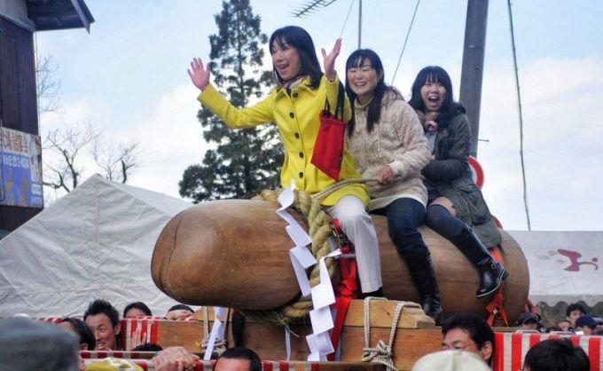 Hodare Matsuri, el festival japonés del gran pene de madera