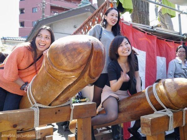 El Kanamara Matsuri, el festival japonés de la fertilidad más famoso en todo el mundo, apodado el festival del pene de acero