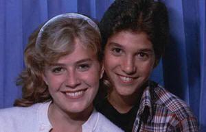 """Elisabeth Sue y Ralph Macchio en """"Karate Kid"""" (1984)"""
