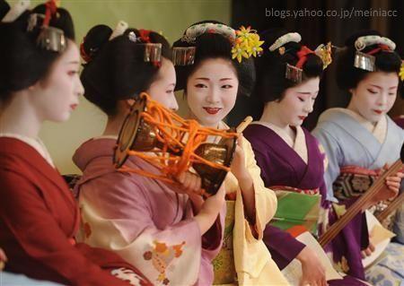 Festivales de Japón: el Kyō Odori (京おどり), un espectáculo de danza celebrado cada primavera en el distrito de geishas de Miyagawachō (宮川町)