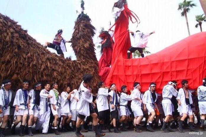 Festivales de Japón: el Ushi-Oni Matsuri de Uwajima