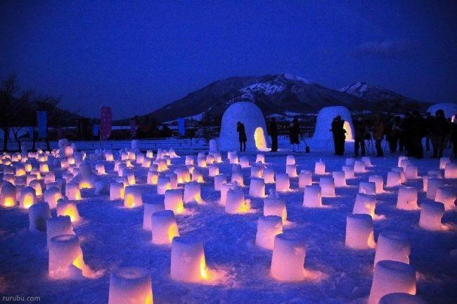 Festivales de Japón: el Festival de las Kamakura de Nieve (横手の雪祭り, Yokote No Yuki Matsuri) con iglús iluminados