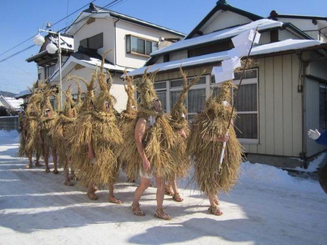 """Festivales de Japón: el Yonekawa No Mizukaburi (米川の水かぶり) o """"Festival del Remojón"""", en la prefectura de Miyagi"""