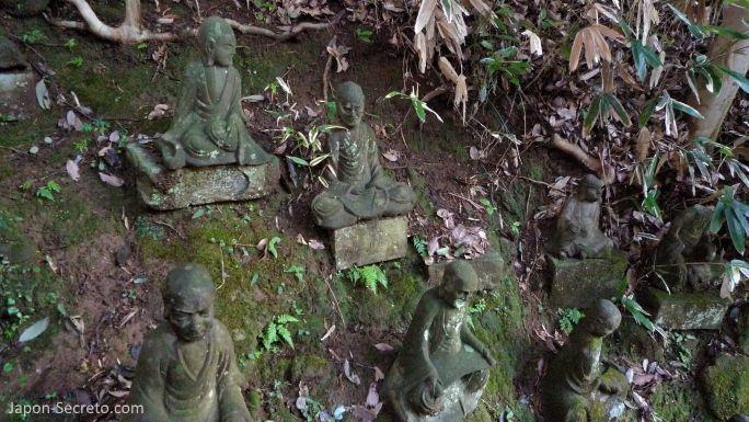 1.500 figuras de arhats o iluminados talladas en el monte Nokogiri (Japón)