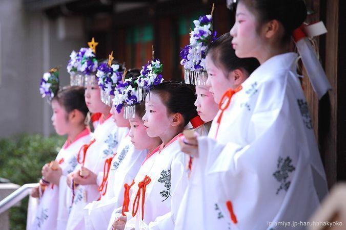 Festivales de Japón: el Seimeisai (晴明祭) celebrado cada año el Día del Equinoccio de Otoño y la víspera en el santuario Seimei (晴明神社, Seimeijinja) de Kioto
