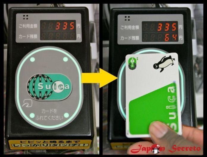 Usando la tarjeta IC Card: la pantalla del lector muestra el dinero pagado y el saldo restante de la tarjeta Suica