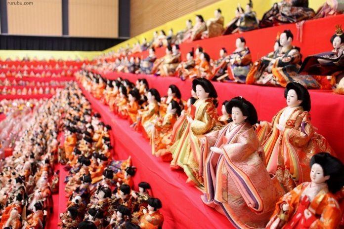 Festivales de Japón: el Dan Dan Long Hina Matsuri (段々ロングな雛まつり), celebrado en la ciudad de Murayama (prefectura de Yamagata) con motivo del Hina Matsuri