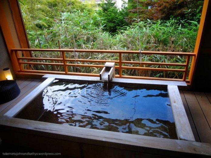 Reservar un onsen en Hakone, cerca de Tokio (Japón) con vistas al monte Fuji.
