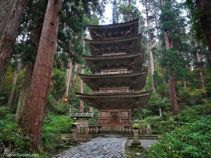 Dewa Sanzan: pagoda del monte Haguro