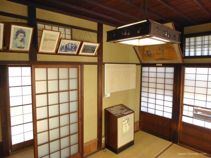 Viajar a Shikoku. Dogo Onsen (Matsuyama, Ehime). Casa de baños Dogo Onsen Honkan. Habitación Botchan.