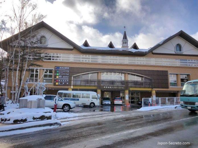 Excursiones desde Tokio: estación de autobuses de Kusatsu Onsen.