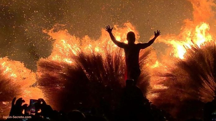 Festivales de Japón: KatsubeNo Hi Matsuri (勝部の火祭り) o Festival del Fuego de Katsube (Moriyama, prefectura de Shiga)