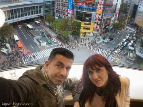 Shibuya Parlor Cafe. Vistas del cruce de Shibuya. Tokio, que ver y hacer. Guia de viaje