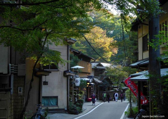 """Los colores del otoño o """"momiji"""". Viaje a Kibune (Kioto)."""